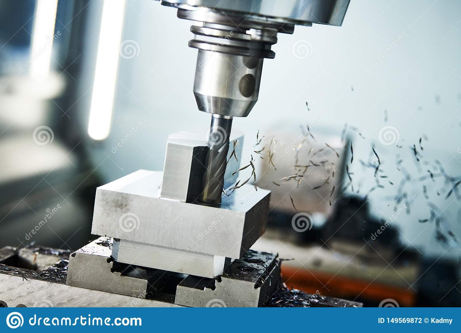 Nhân Viên vận hành máy phay CNC