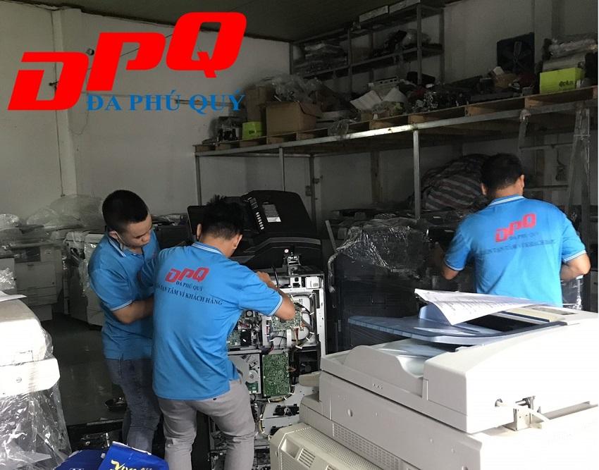 Nhân viên kỹ thuật máy photocopy