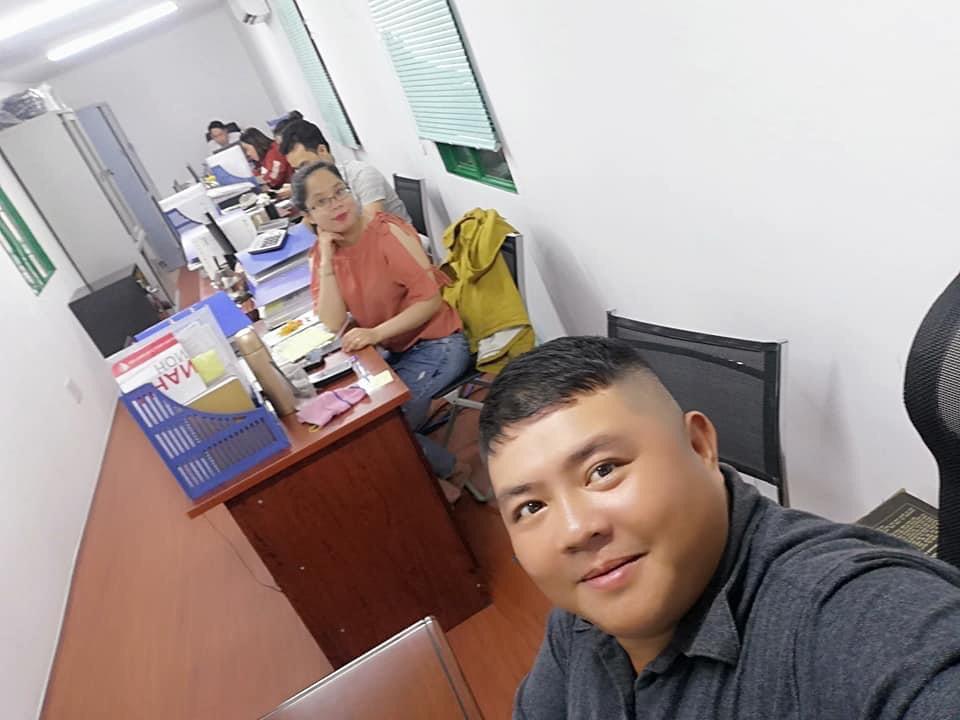 Nhân viên chăm sóc khách hàng tại quận 9