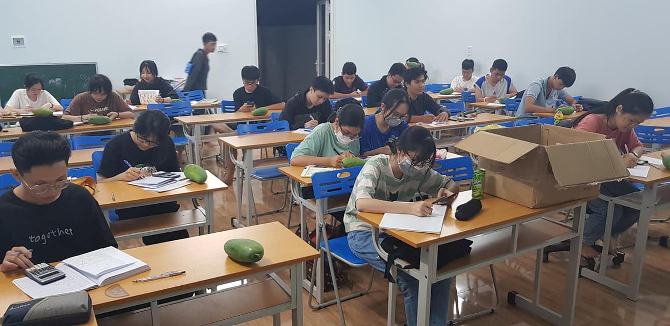 Giáo viên dạy thêm  luyện thi Toán  Hóa lớp